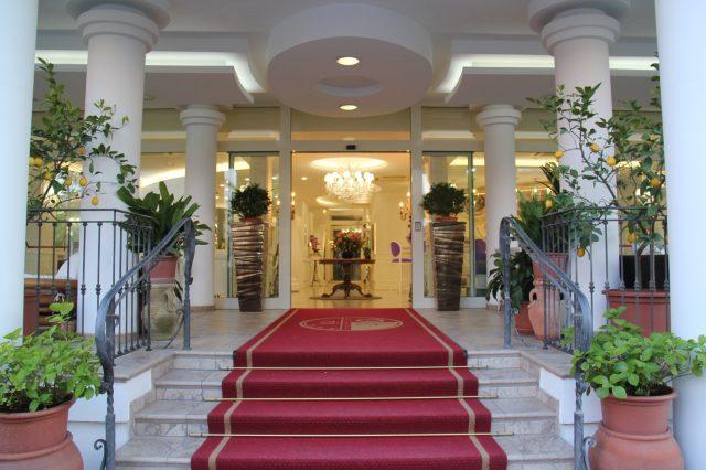 Entrata Hotel Il Gabbiano